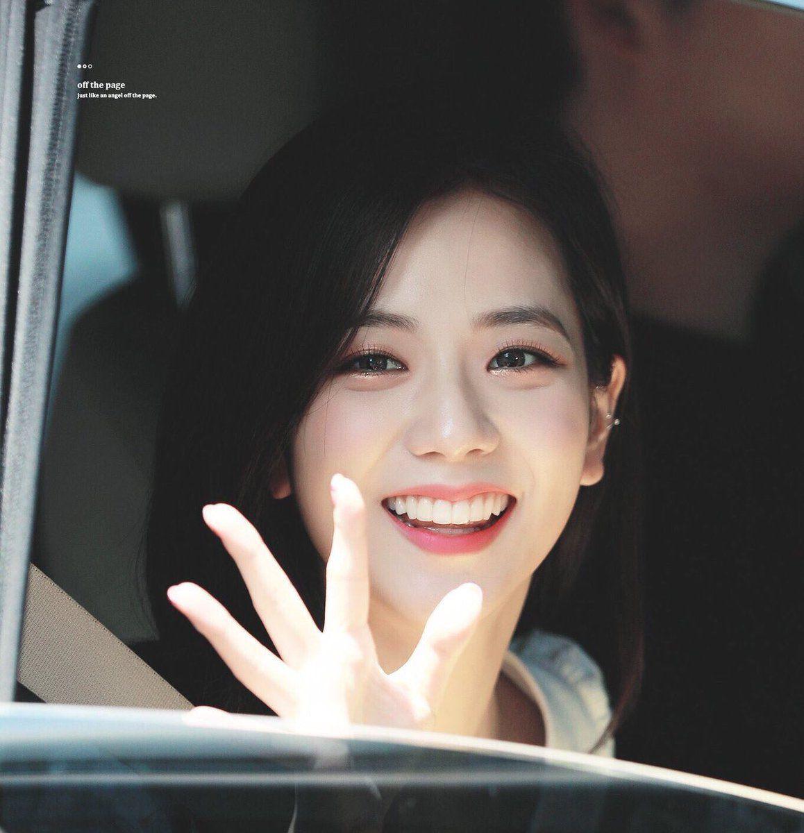 Hình ảnh tươi sáng của Jisoo luôn tạo thiện cảm với người hâm mộ