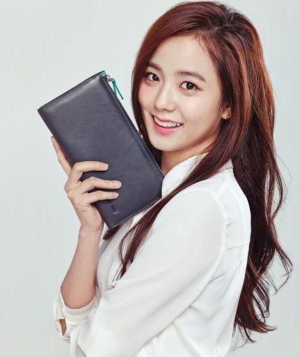 Jisoo làm người mẫu quảng cáo trước khi debut