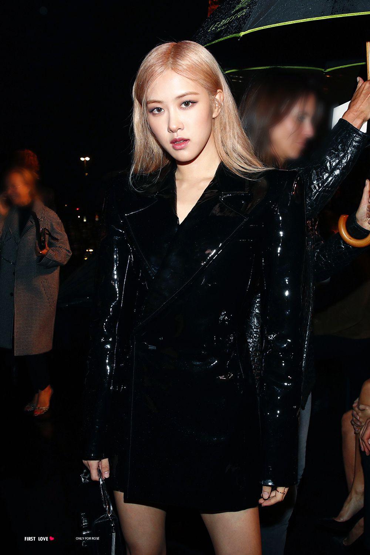 Bông hồng của Kpop tỏa sáng tại show diễn của hãng thời trang nổi tiếng Pháp Saint Laurent