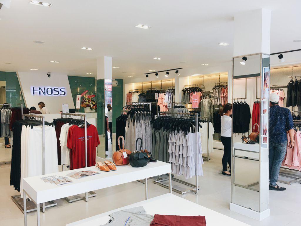 Các chi nhánh cửa hàng của Hnoss được thiết kế gọn gàng, bắt mắt