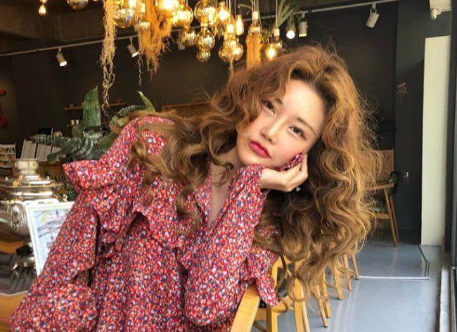 Kim Sohye nha sang lap thương hiệu StyleNanda va 3CE