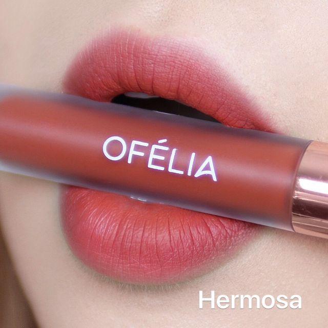 Chất son của Ofelia khá mượt mà và có độ bám màu tốt
