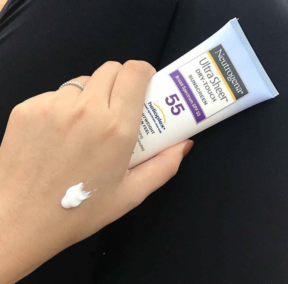 Kem chống nắng Neutrogena Ultra Sheer Dry Touch Sunscreen SPF 55