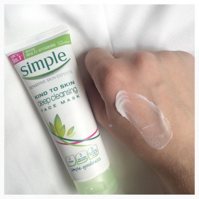 Mặt nạ thải độc cho da Simple Kind To Skin Deep Cleansing Face Mask