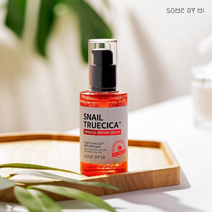 Tinh chất trị sẹo, thâm mụn Snail Truecica Miracle Repair Serum