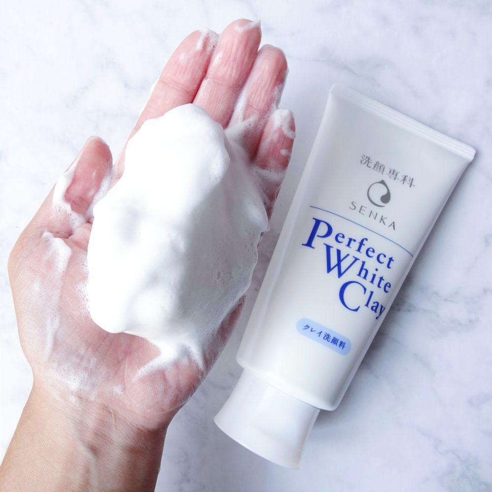 Sữa rửa mặt Senka Perfect White Clay có tốt không?