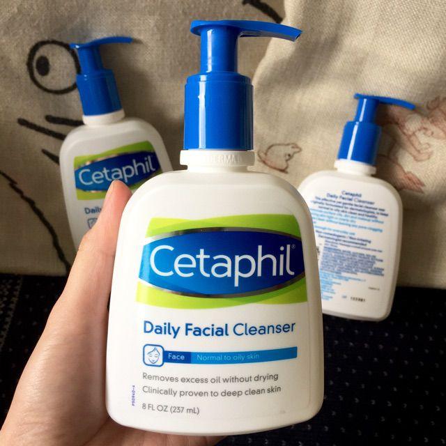 sữa rửa mặt cho da hỗn hợp thiên dầu Cetaphil
