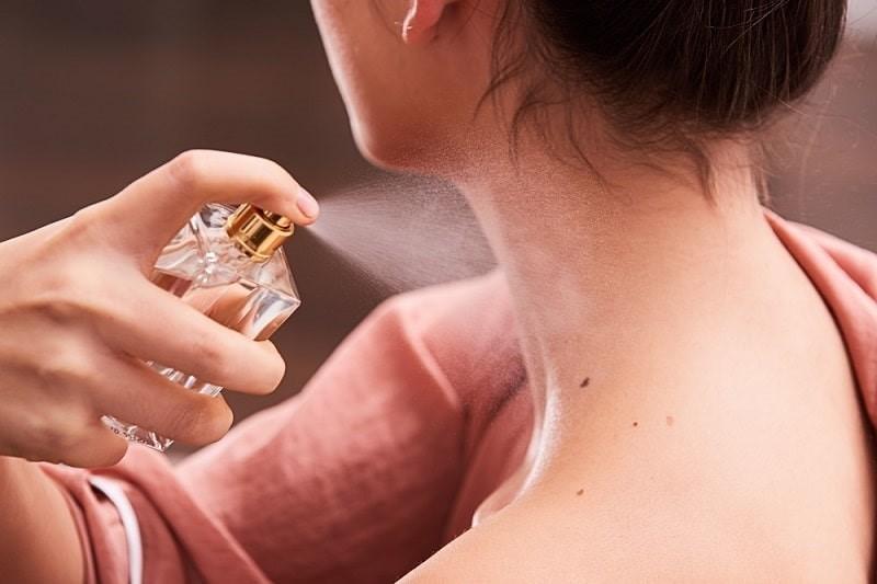 Những lưu ý khi lựa chọn và sử dụng nước hoa Versace