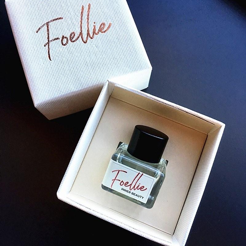 Nước hoa vùng kín Foellie Eau De Bon Bon màu trắng