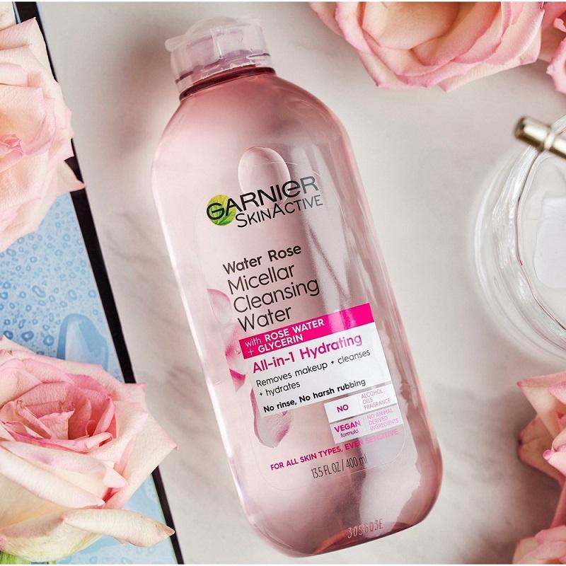 Nước tẩy trang Garnier kết hợp nước hoa hồng cho da khô (Water Rose Micellar Cleansing Water)