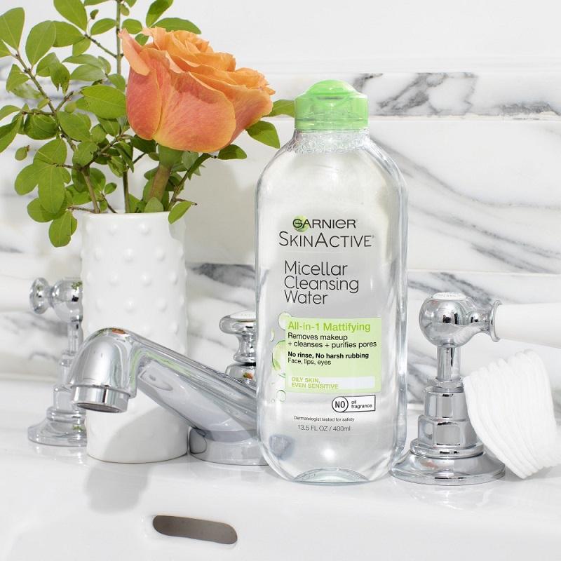 Nước tẩy trang Garnier xanh lá cho da dầu (Micellar Cleansing Water All-in-1 Mattifying)