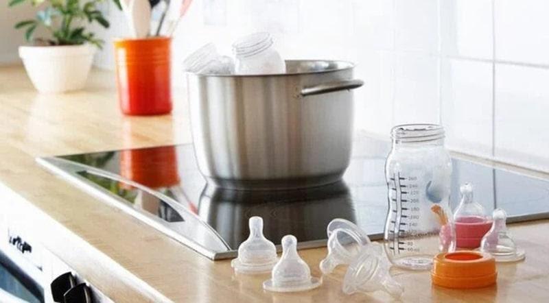 Có nên mua máy tiệt trùng bình sữa hay không?
