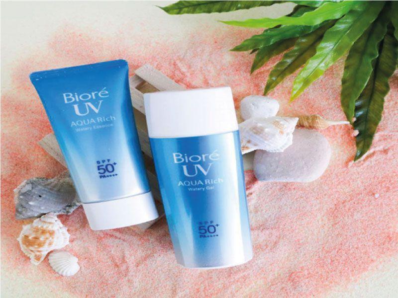 Kem chống nắng đi biển Biore UV Aqua Rich Watery Essence SPF 50
