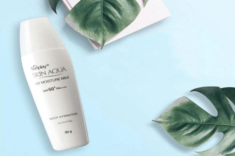 Kem chống nắng cho da nhạy cảm Sunplay Skin Aqua UV Moisture Milk