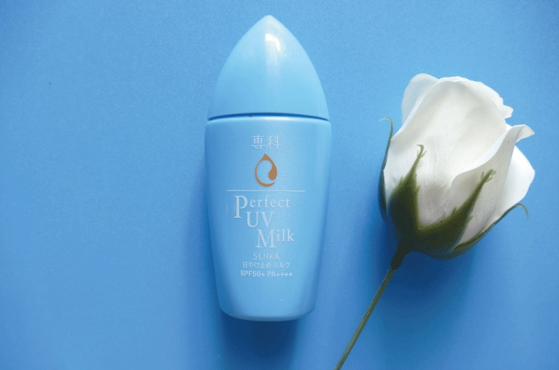 Kem chống nắng cho da khô Senka Perfect UV Milk SPF 50+