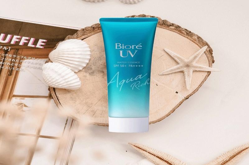 Kem chống nắng cho da nhạy cảm Biore UV Aqua Rich Watery Essence
