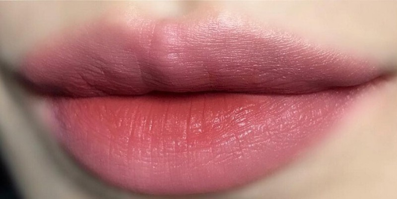 Son đánh lòng môi – Màu hồng đất